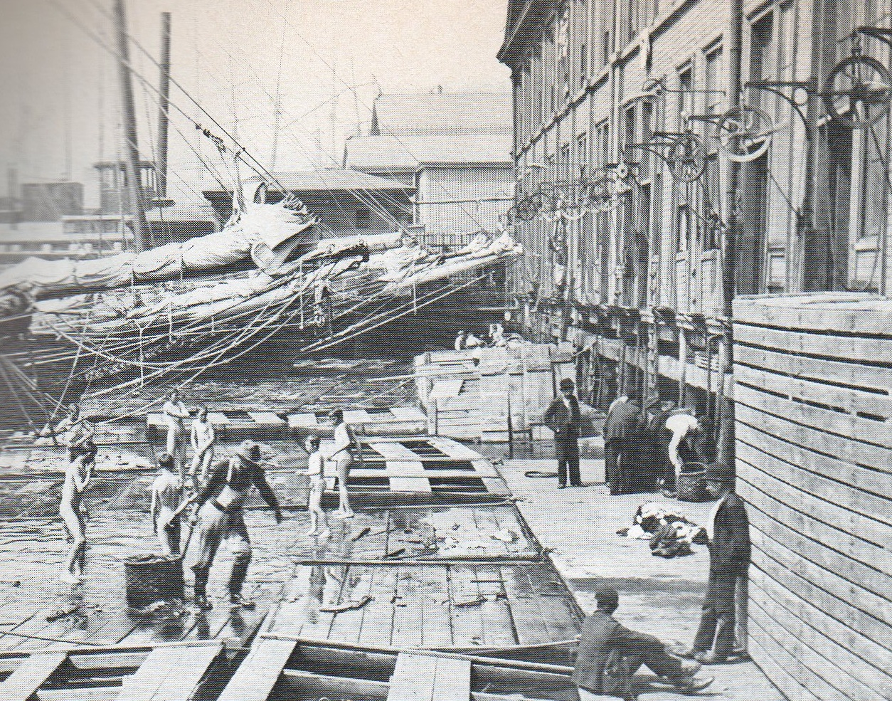 Taking a swim in the east river 1892 ephemeral new york for New fulton fish market
