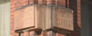 Madisonmarketstreetssign