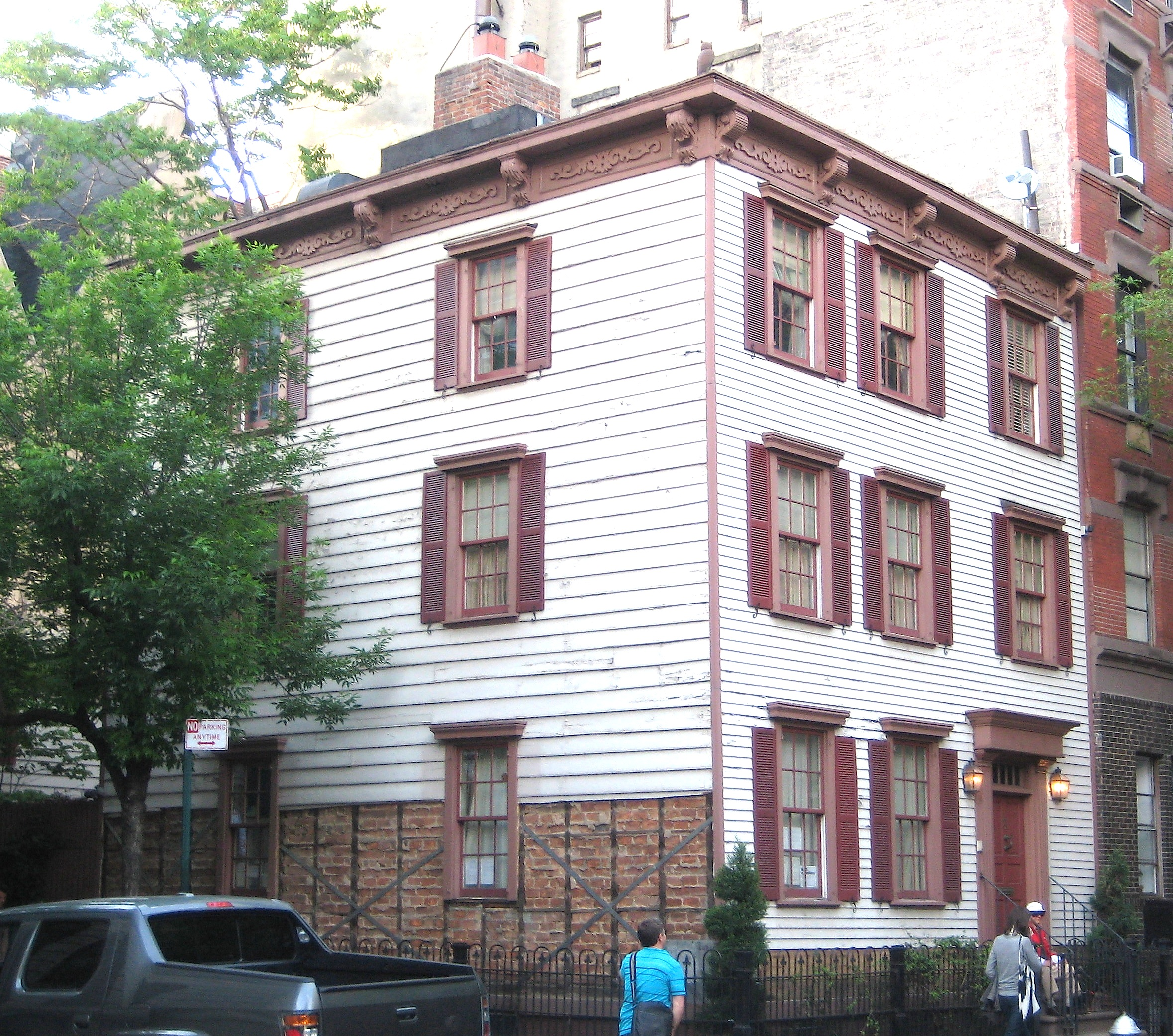 wood-frame houses in New York City | Ephemeral New York