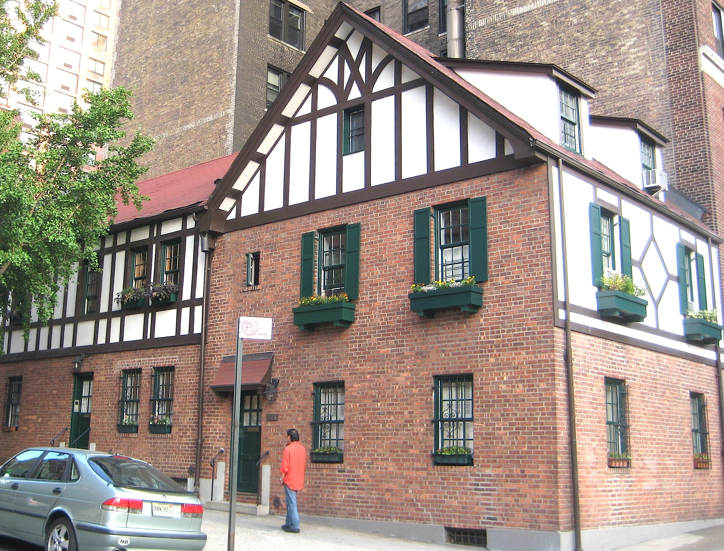 Tudor style buildings in new york city ephemeral new york for Upper west side apartments nyc