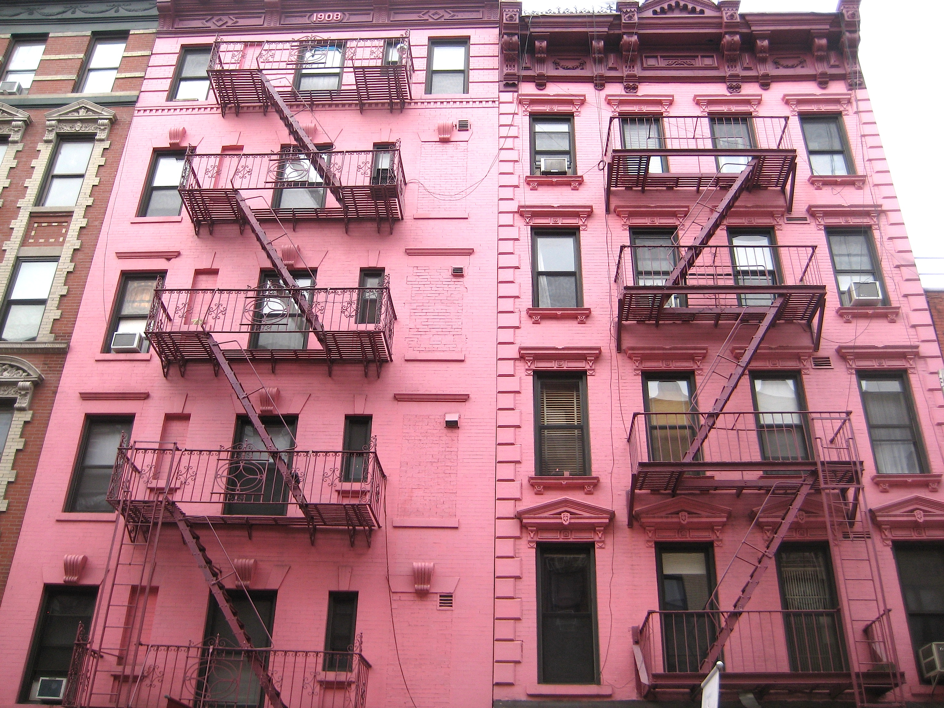 The pinkest houses in New York City | Ephemeral New York