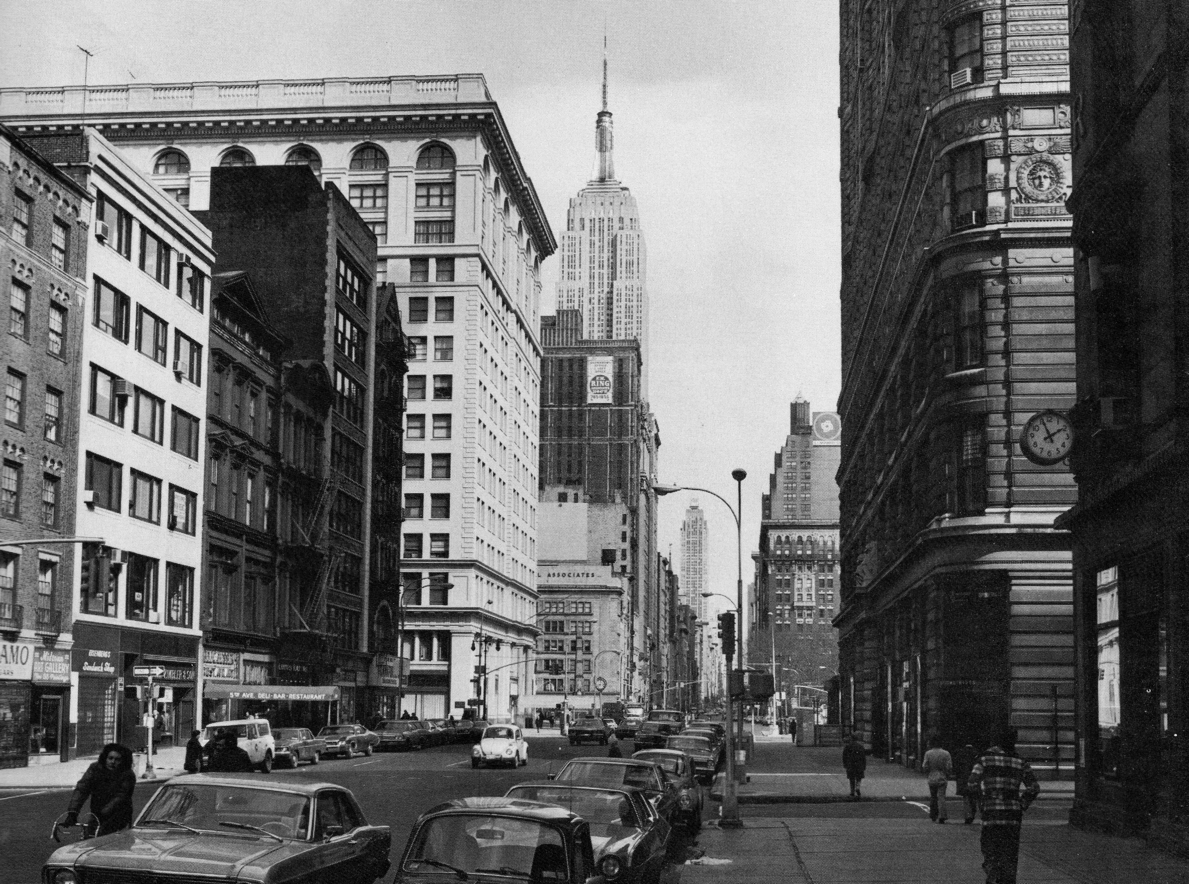 Fifth Avenue In The 20s