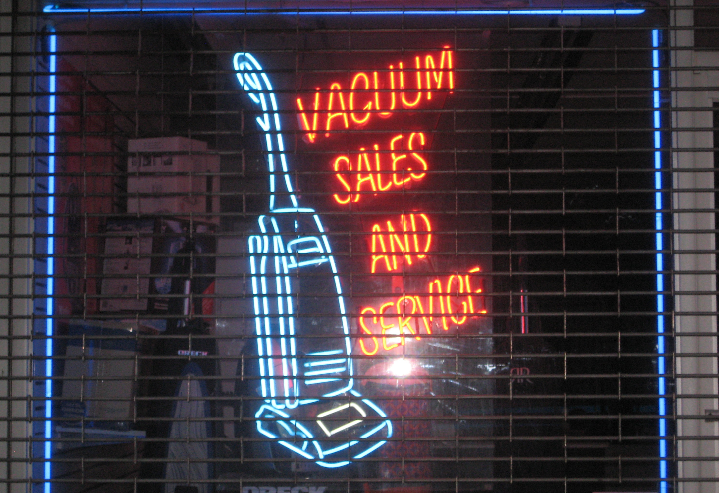 Desco Vacuum 14th Street The Neon Signs That Light Up The