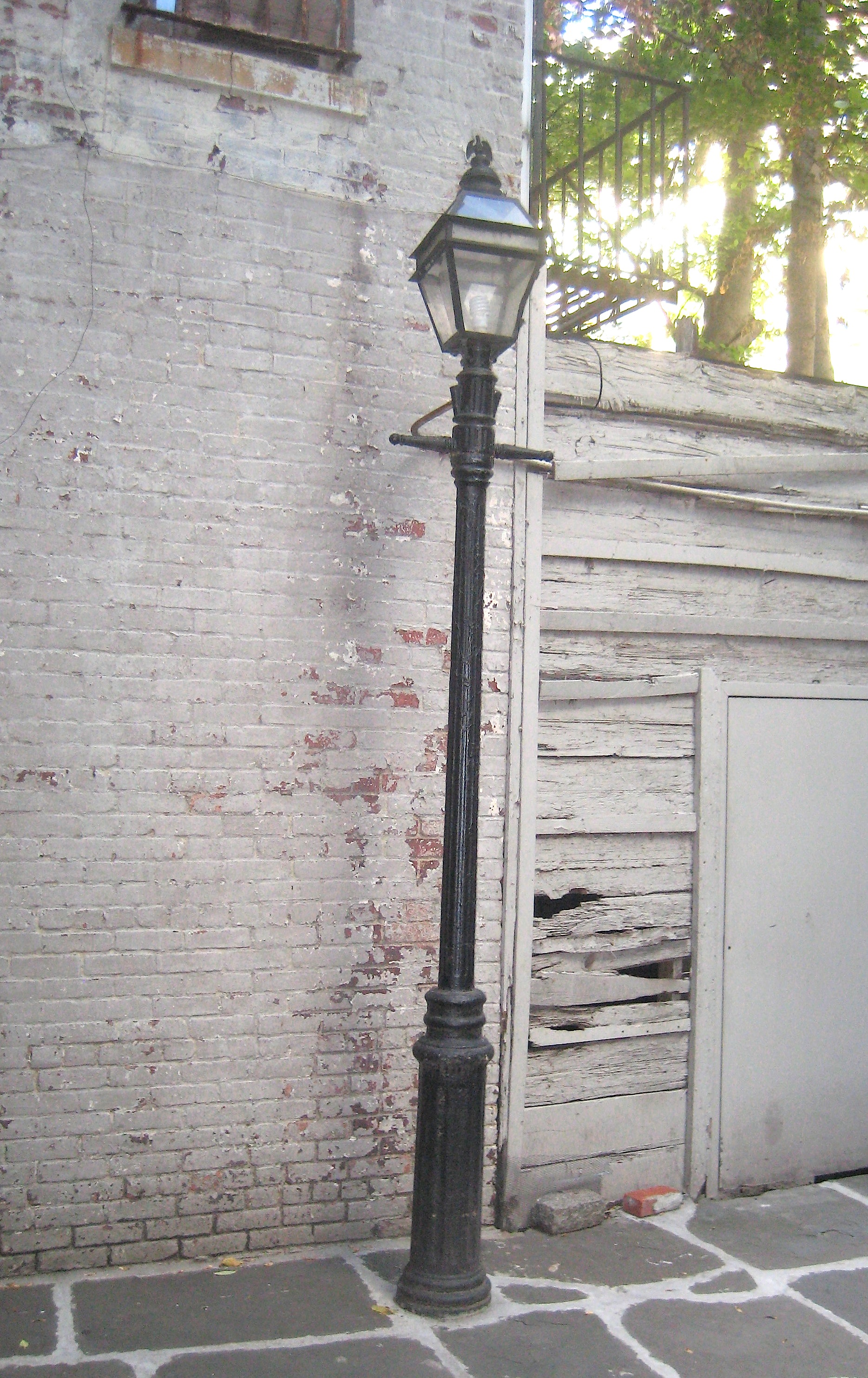 New York's Last Gas Lamp In A West Village Alley