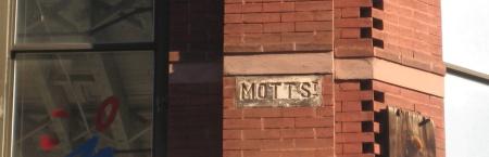 Mottstreetsign