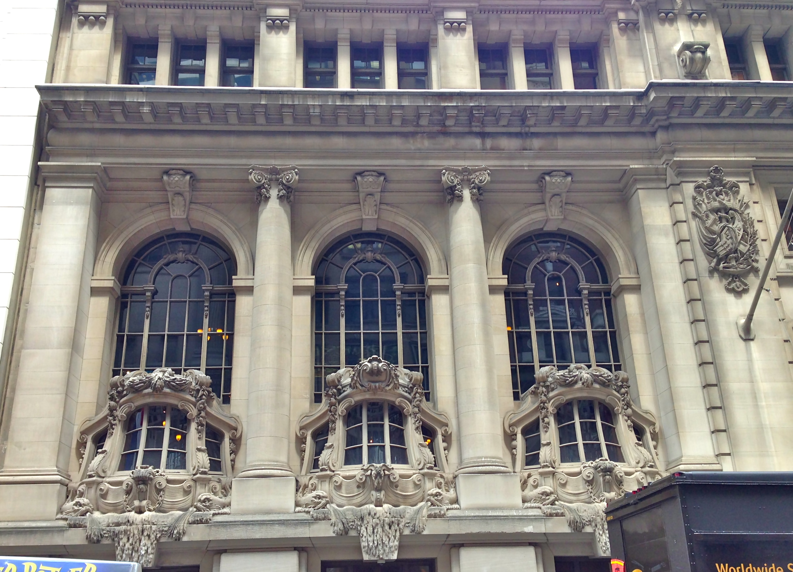 Beaux arts buildings new york city ephemeral new york for Architecture windows