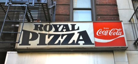 Royalpizzasign