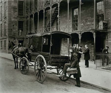 Bellevueambulance1895