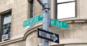 Riverside84thstsign