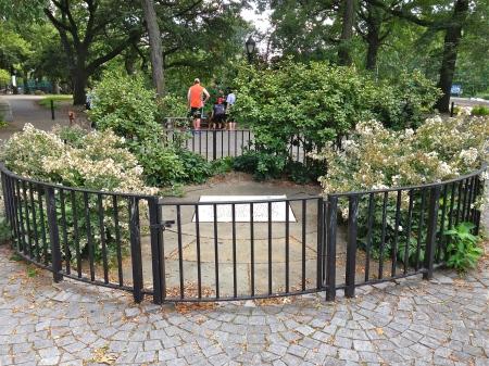 Riversideparkholocaustmemorial