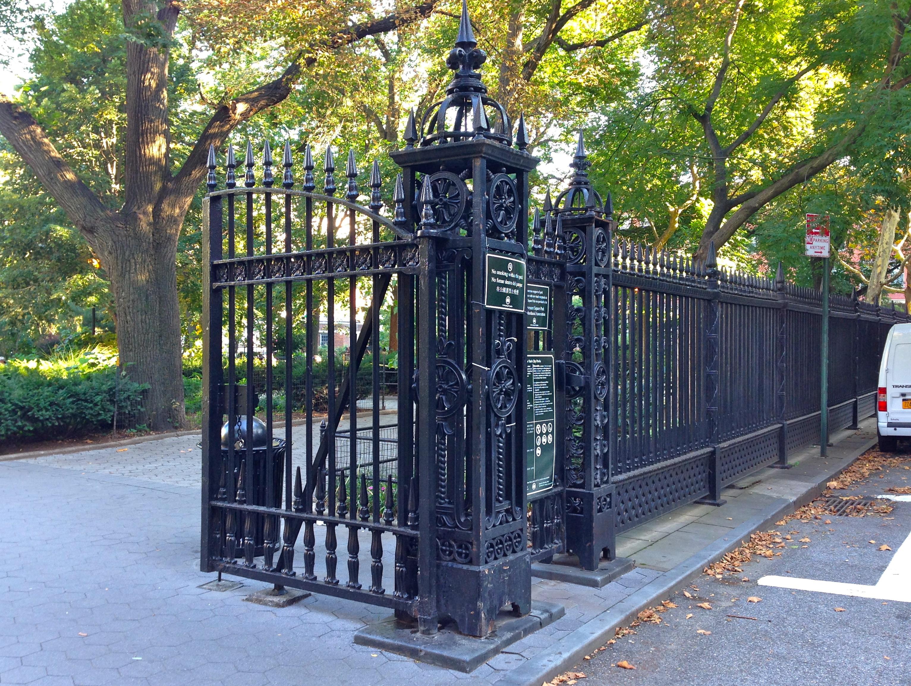 Park Fence Nyc Ephemeral New York