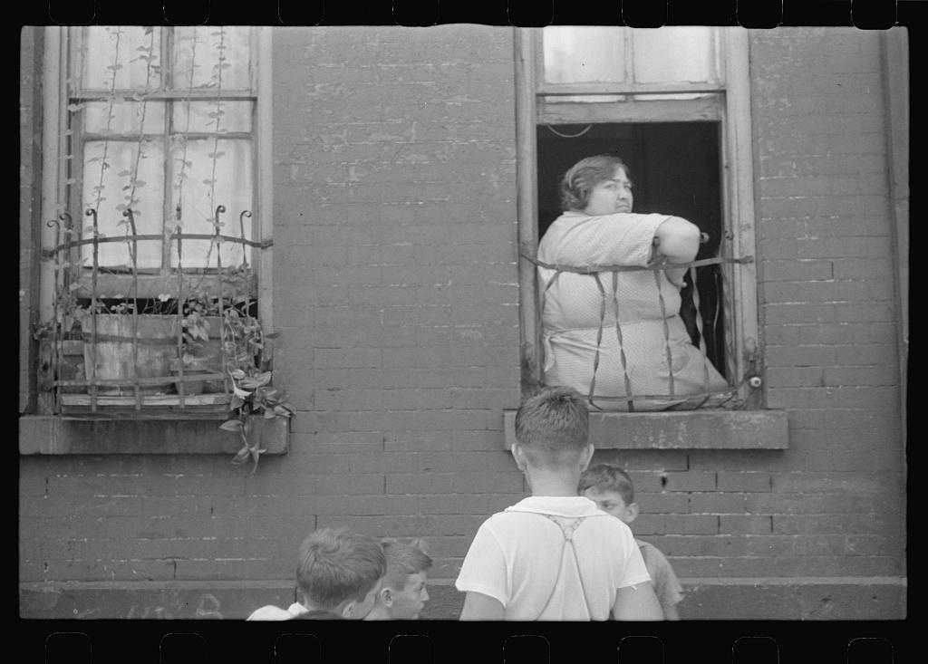 Depression1938womanwindow