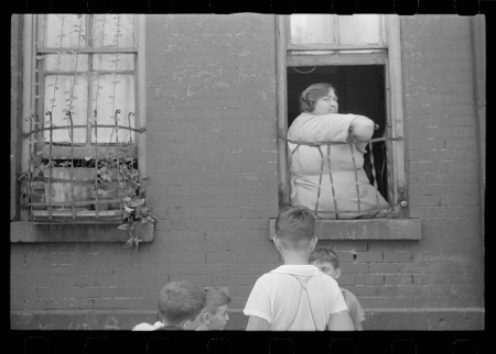 Depression1938womanwindow