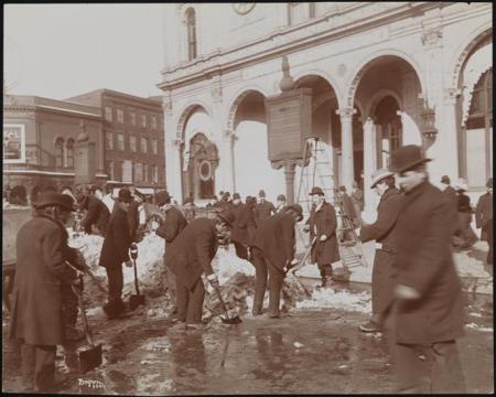 Snowworkers1898heraldsquare