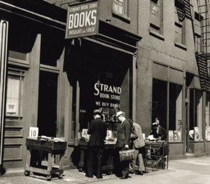 Bookstoresthestrand1938