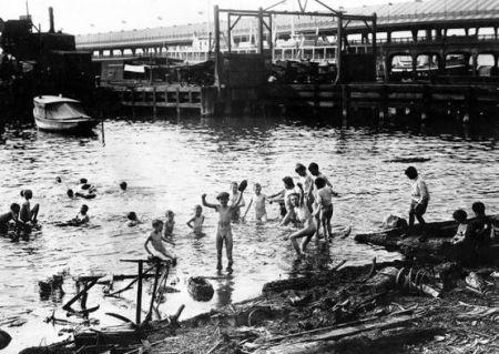 Eastriverswim1910