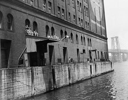 Eastriverswim1937