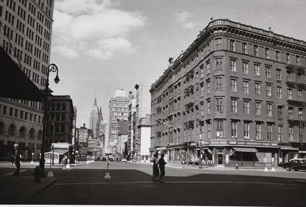 McSorleysbiblehouse1955MCNY