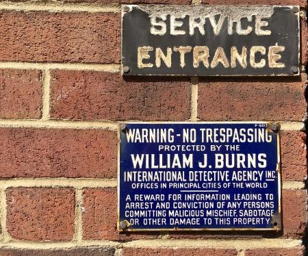 Burnsdetectiveagencysign