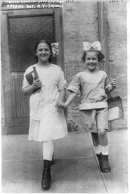 Openingdayschoolbain1915twogirls