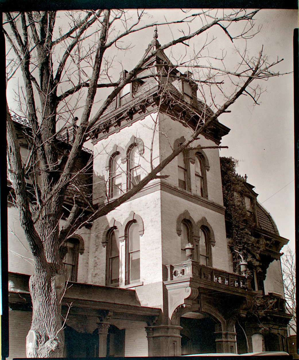 Haunted House York University: A Spooky Gothic Mansion In Upper Manhattan ‹� New York City